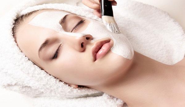 مزایای پاکسازی پوست در کلینیک